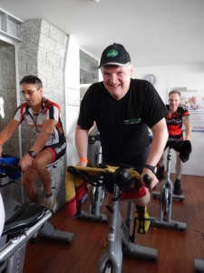 Dr. Karl Josef Ischia und andere Spinning for Charity